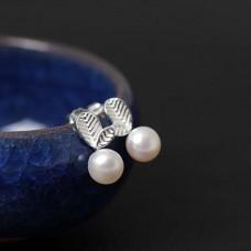 Сребърни обеци - Перлени листа Обеци с перли изображение
